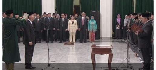 Gubernur lantik Iwa Karniwa Sebagai Sekda Baru