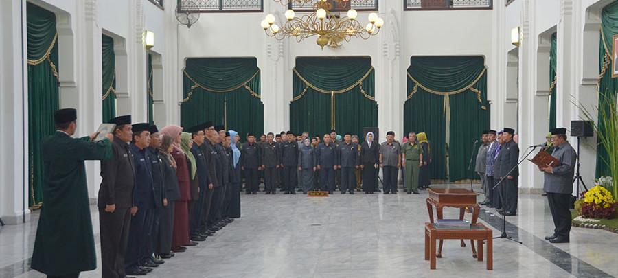 Gubernur Lakukan Pemindahan Pejabat Esselon II