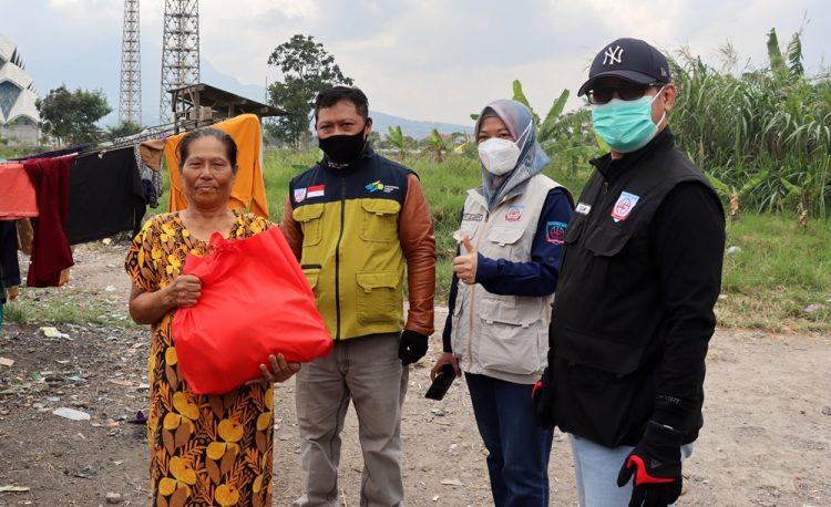 Inspektorat Mapay Lembur Berbagi Sembako